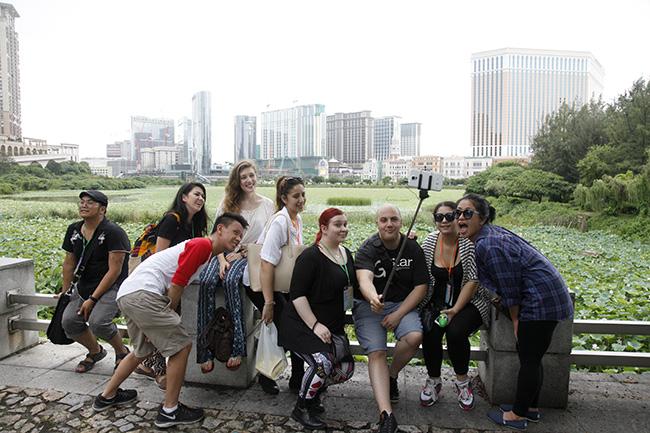 Youth Encontro 2015 Visita a vila da Taipa 01