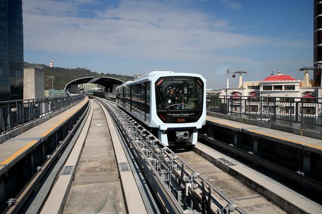 Metro Ligeiro já circula